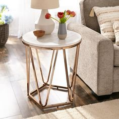 Shop Silver Orchid Henderson Faux Stone Goldtone Round Coffee Table - On Sale - Overstock - 24142933 Modern End Tables, Diy End Tables, Sofa End Tables, Side Tables, Coffee Tables For Sale, Round Coffee Table, Decorating Coffee Tables, Living Room End Tables, Living Room Furniture