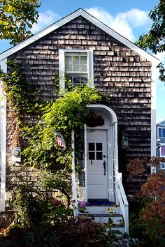 Perfect little summer home. Just plunk it on Block Island or LBI.