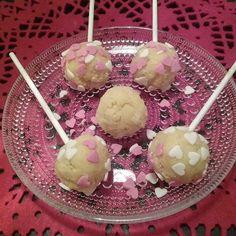 KOTI&LEIVONTA Kakkutikkareita, voi tehdä myös Muffinsi tai kakkutaikinasta, paistettua Muffinsia. LISÄKSI Tuorejuustoa, Sekoitus. SESONKIEN mukaan voi muunnella. Tykkään. HYMY @valiofi  #koti #leivonta #tuorejuusto #muffinsi #kakku #kakkutikkarit #blogi #joulu #herkkua 🎅👀🎂😉☺👍