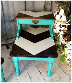Chevron table!! OMG!!!!!! I'm seriously making this.