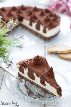 Cheesecake philadelphia e mascarpone con inserti di cioccolato a pois