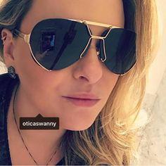 #clientewanny  #Repost @manulimablog ・・・ Aquele óculos pah!!! O aviador mais perfeito da vida by Givenchy ❤️ #sunglasses #sunglasseslover #aviator #aviador #ginvenchy #oculos #perfect #oticaswanny