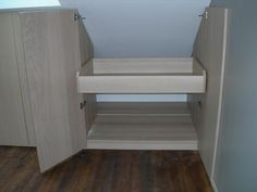 Combles on pinterest 20 pins - Rangement sous pente leroy merlin ...