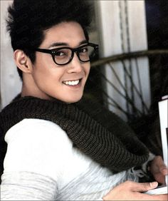 Kim Hyun Joong .why is it when this _Oppas wear glasses.they become soo much sexier!!