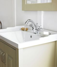 Crosshead taps are a firm favourite in the traditional bathroom, combining style with practicality.