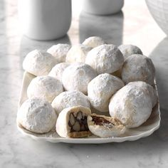 Chocolate Macadamia Meltaways ****** I came up with this recipe by accident one day when I wanted to make some cookies. I decided to use… Crinkle Cookies, Spice Cookies, Xmas Cookies, Snowball Cookies, Yummy Cookies, Sugar Cookies, Melting Chocolate Chips, Chocolate Treats, Chocolate Recipes