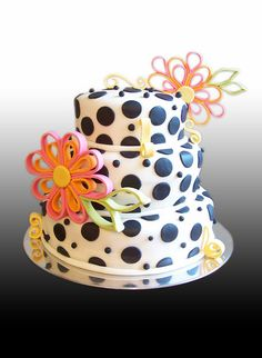 Aneisa's Polka Dots Cake by Gio's Cakes, via Flickr