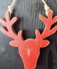 Hirschkopf rot Holz mit Kordel zum Aufhängen Weihnachten Dekoration Fensterschmuck Schatzkiste Oberaudorf (Small)