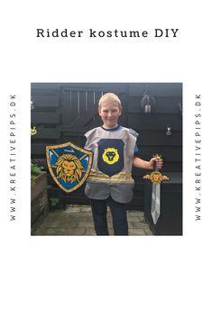 Jeg har lavet et simpelt ridder kostume til min søn. Det kan varieres i det uendelige med farver, dekorationer og pynt. Baseball Cards, Sewing, Sports, Diy, Creative, Hs Sports, Dressmaking, Bricolage, Sport