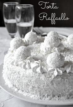 Vi avevo promesso Venerdi che vi avrei postato oggi  la torta per il compleanno del Signor Però ed eccomi qui con questa deliziosa torta...