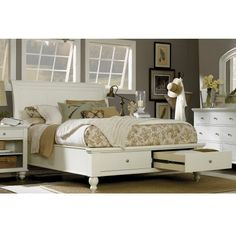 Cambridge Wood Storage Sleigh Bed in Eggshell by Aspenhome
