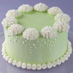 Stunning Mum Profusion Cake - The plush look of Shaggy Mums adds wonderful texture to a basic iced cake. Cake Decorating Designs, Creative Cake Decorating, Wilton Cake Decorating, Cake Decorating Techniques, Creative Cakes, Cake Designs, Decorating Ideas, Buttercream Decorating, Decor Ideas