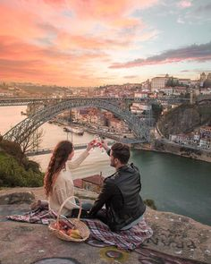 ♡ We love this moment created in Porto, Portugal 🇵🇹 ↡ Remember to tag us or use for YOUR chance to be featured! Romantic Couples, Cute Couples, Romantic Travel, Romantic Weddings, Dream Dates, Love You Friend, Kairo, Travel Couple, Couple Pictures