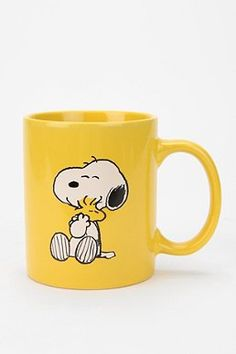 Peanuts Mug. Marie's comment: As much as I despise the color yellow, I'd get one of these mugs just to honor Snoopy and Woodstock. Snoopy Mug, Snoopy Love, Charlie Brown And Snoopy, Snoopy And Woodstock, Stars Disney, Crackpot Café, Tassen Design, Cute Cups, Cool Mugs