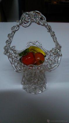 Cesta de frutas de murano en miniatura.