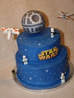 Star Wars Cake on Cake Central Star Wars Party, Theme Star Wars, Star Wars Birthday Cake, Lego Birthday, Birthday Ideas, Bolo Star Wars, Star Wars Cake, Aniversario Star Wars, Un Cake