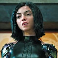 Alita: Battle Angel is a movie starring Rosa Salazar, Christoph Waltz, and Jennifer Connelly. A deactivated female cyborg is revived, but cannot remember anything of her past life and goes on a quest to find out who she is. Alita Movie, Alita Battle Angel Manga, Harley Queen, Female Cyborg, Angel Movie, Arte Alien, Kino Film, Ex Machina, Image Manga