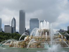 Buckingham Fountain~I'm going here Friday..gonna have my pic taken in front of the fountain!!  love & marriage, love & marriage....