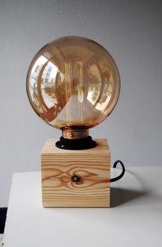 Wooden Lamp Base, Wooden Tripod Floor Lamp, Table Lamp Wood, Wood Lamps, Vintage Light Bulbs, Wood Shop Projects, Bois Diy, Edison Lamp, Wooden Cubes