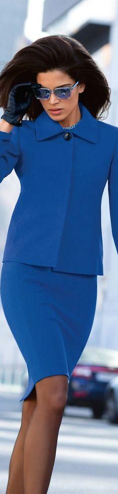 Business Lady in Royalblau (Farbpassnummer 28) Kerstin Tomancok / Farb-, Typ-, Stil & Imageberatung