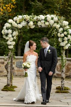 Rustic Chic Wedding | Sweetwater Farm | Susan Stripling Photography - hydrangea arbor
