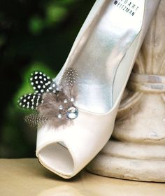 Wedding / Bridal Feathered Shoe Clips from http://sofisticata.etsy.com Custom made colors!