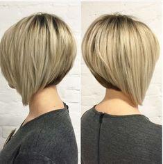 Wahnsinnig hübsche Haarfarbe Ideen für kurze Haare im Jahr , Beliebte Frisuren Graduated Bob Haircuts, Inverted Bob Haircuts, Stacked Bob Hairstyles, Short Bob Haircuts, Pretty Hairstyles, Haircut Bob, Haircut Short, Blonde Hairstyles, Medium Hairstyles