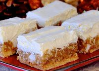Winter White Cookies – No bake and freezer friendly These Winter White cookies are some of our family favourites during the Holidays, especially. They are easy, no bake and freeze well, making them ideal for your Holiday treat list. No Bake Treats, No Bake Cookies, Yummy Treats, Sweet Treats, Bar Cookies, Christmas Desserts, Holiday Treats, Holiday Recipes, Christmas Cookies