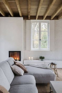 Quirky Home Decor .Quirky Home Decor Romantic Home Decor, Natural Home Decor, Easy Home Decor, Cheap Home Decor, Home Living Room, Living Spaces, City Living, Living Room Inspiration, Home Decor Accessories