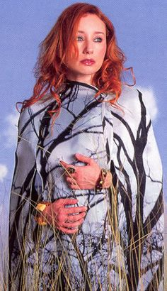 1990s Music, Little Earthquakes, Mezzo Soprano, Tori Amos, Alternative Music, Her Music, American Singers, Music Stuff, Scarlet