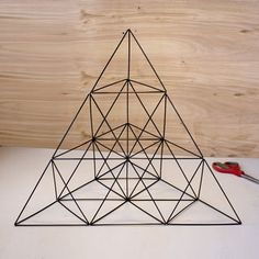 Giant Straw Tetrahedron Cluster (with Pictures) - Instructables Toothpick Sculpture, Straw Sculpture, Geometric Decor, Geometric Designs, Geometric Shapes, Straw Crafts, Diy Straw, Straw Projects, Straw Art