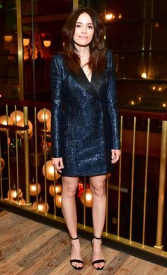 Abigail Spencer in a navy sequin tuxedo mini dress Best Celebrity Dresses, Celebrity Red Carpet, Celebrity Look, Diva Fashion, Star Fashion, Abigail Spencer Hair, Summer Club Outfits, Stylish Suit, Beautiful Celebrities