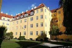 Tranegårdsvej 54, 1. th., 2900 Hellerup - Klassisk lejlighed i den smukkeste ejendom i Hellerup, Tranegården. #hellerup #ejerlejlighed #boligsalg #selvsalg