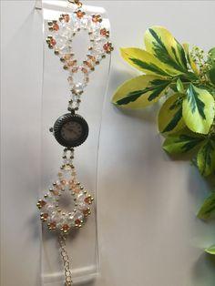 Perlenarmbanduhr (35)  Ich verwende für meinen Schmuck den ich fertigte ausschließlich hochwertige Glasperlen, Glasschliffperlen, Acrylperlen, Rocailles-Delica und Glaswachsperlen. Gefädelt mit Fireline und Nylon.