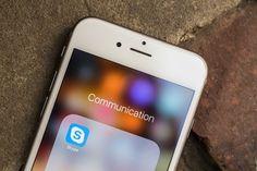Hackers se atribuyen caída de Skype y anuncian próximo objetivo: Steam   Microsoft confirmó a través de su cuenta de soporte en Twitter un fallo general que impedía las comunicaciones cuya autoría se atribuye el grupo Cyber Team.    Skype ha estado fallando para usuarios de todo el mundo en la noche del lunes y la madrugada del martes según confirmó el propio servicio mediante su cuenta de Twitter @SkypeSupport.  Las alarmas no saltaron oficialmente hasta que amaneció en Europa en donde…