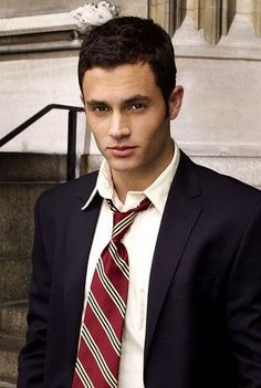"Daniel Jonah Dan"" Humphrey is a main character in the best selling Gossip Girl book series. He is portrayed by Penn Badgley in the TV series. Dan Humphrey, Pretty People, Beautiful People, Penn Badgley, Hot Hunks, Hollywood, Attractive Men, Perfect Man, Little Girls"
