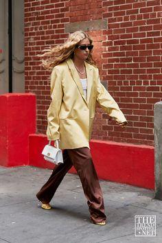 New York Fashion Week Ss 2020 Street Style 110 New York Fashion, Star Fashion, Latest Fashion Trends, Girl Fashion, Womens Fashion, Runway Fashion, Fashion Outfits, Cool Street Fashion, Street Style
