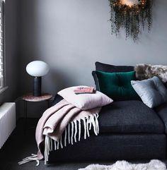 """Designerhome_norge on Instagram: """"For mange av oss starter vinterferien i dag...wiiiii👏🏻 Da er det godt med et ullpledd å krype inn under på hytta eller hjemme.…"""" Throw Pillows, Bed, Instagram, Home, Toss Pillows, Cushions, Stream Bed, Ad Home, Decorative Pillows"""