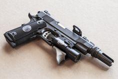 Скачать обои оружие, 1911, Predator, Nighthawk Custom, пистолет, раздел оружие в разрешении 2048x1365
