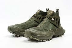 White Mountaineering X Adidas Seeulater Alledo PK - Sneaker Freaker Chunky Sneakers, New Sneakers, Sneakers Fashion, Sneakers Nike, Tactical Wear, Trekking Shoes, Hiking Fashion, Sneaker Boots, Designer Shoes