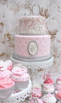 Pretty pink cake and cupcakes by Lynette Brandl - Pink Birthday Cake Ideen 50th Birthday Cake For Women, Birthday Cake For Women Elegant, Elegant Birthday Cakes, Pretty Birthday Cakes, Cake Birthday, 31st Birthday, Birthday Gifts, Cake Cookies, Cupcake Cakes