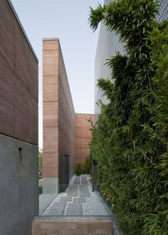 looks like rammed earth over concrete