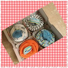 Onesie Cupcakes for a Boy Onesie Cupcakes, Onesies, Boys, Baby Boys, Babies Clothes, Senior Boys, Sons, Guys, Jumpsuits