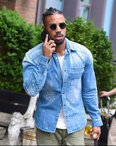Michael B Jordan.the hair grew on me and after seeing him in Black Panther with it, I'm in love! Fine Black Men, Handsome Black Men, Black Boys, Fine Men, Michael B Jordan, Dark Man, Black Men Hairstyles, Man Crush Everyday, Comme Des Garcons
