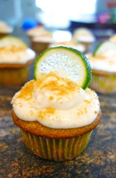 Graham cracker cupcakes with a lime, cream cheese frosting. Key Lime Cupcakes, Welcome Home Parties, Lime Cream, Cream Cheese Frosting, Graham Crackers, I Foods, Sweets, Eat, Cooking