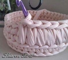 Watch This Video Beauteous Finished Make Crochet Look Like Knitting (the Waistcoat Stitch) Ideas. Amazing Make Crochet Look Like Knitting (the Waistcoat Stitch) Ideas. Crochet Bowl, Crochet Basket Pattern, Crochet Diy, Crochet Home Decor, Crochet Crafts, Crochet Projects, Crochet Patterns, Crochet Baskets, Crochet Ideas
