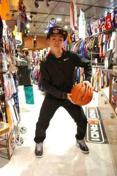 【大阪店】 2014年4月14日 CAPがお似合いですね(*´ω`*)バスケ部での活躍期待してます! #nba