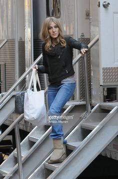 Actress Sarah Jessica Parker walks down from a trailer on the set of her new film 'Did You Hear About the Morgans?' on March 23, 2009 in New York City.