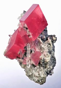 Rhodochrosite with Quartz from Colorado by marleis