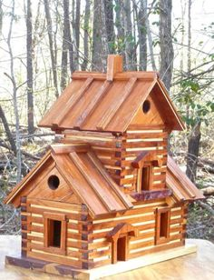 cute log cabinbirdhouse